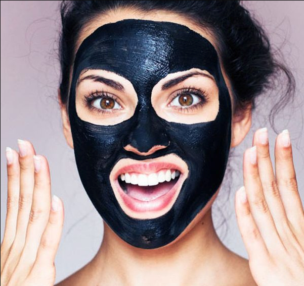 Using facial blackhead remover masks